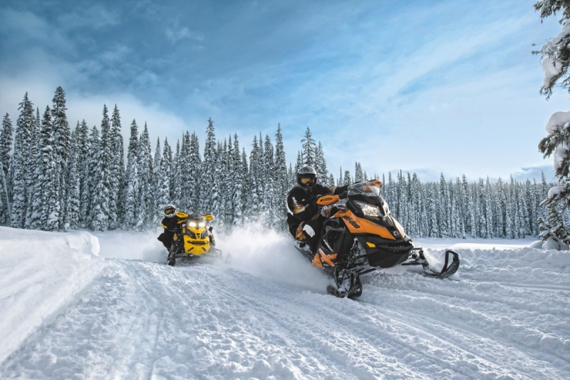 Спасатели напоминают о необходимости соблюдать правила безопасности при катании на снегоходах и квадроциклах
