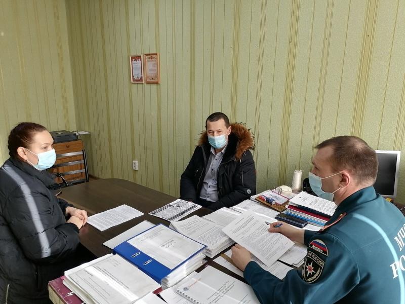 В рамках операции «Жилье» специалисты госпожнадзора и ВДПО проводят собрания с представителями управляющих компаний