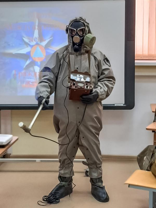 Огнеборцы прочитали лекции по гражданской обороне в учебных заведениях Екатеринбурга